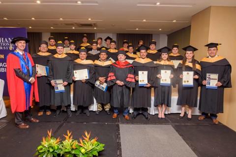 Graduación Bircham University